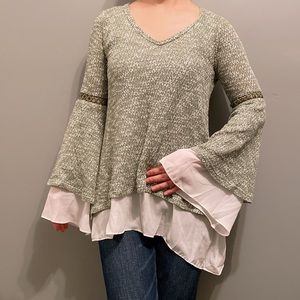 Tops - Butterfly sleeve top XS-S